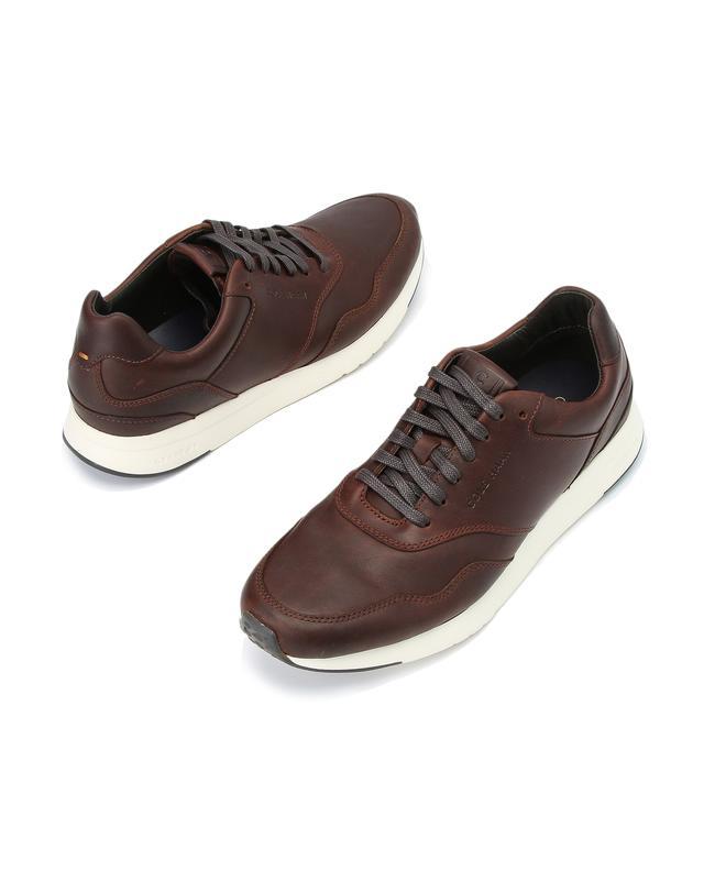 GrandPro Running Sneaker