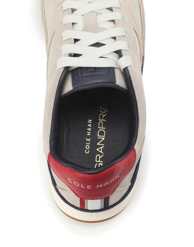 GrandPro Classic Running Sneaker
