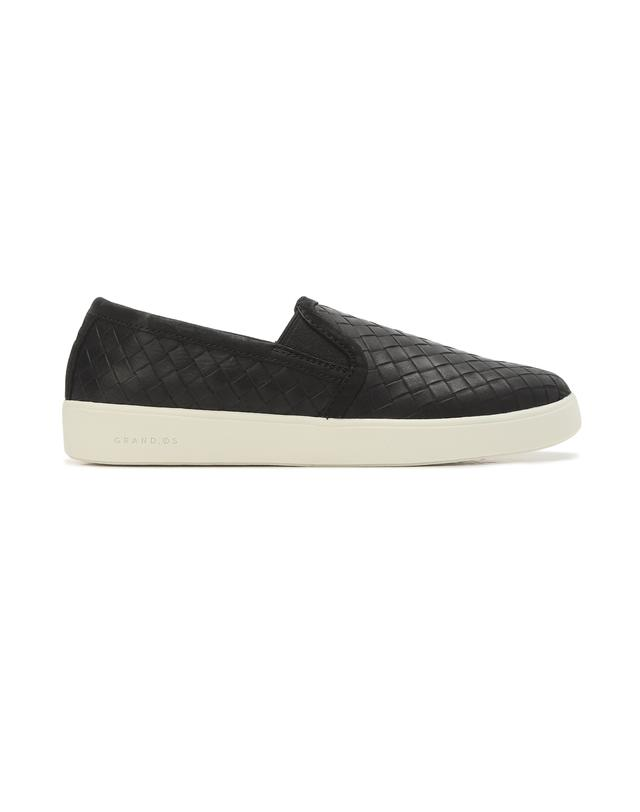 Grand Crosscourt Street Slip on