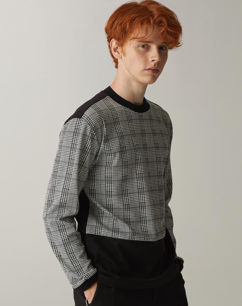 블랙 체크배색 긴팔티셔츠