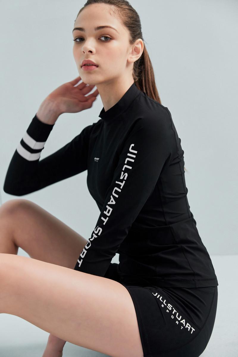 질스튜어트 스포츠 뉴욕(JILLSTUART SPORT NEWYORK) [20 Long Beach Rashguard W] 블랙 로고프린트 여자 래쉬가드